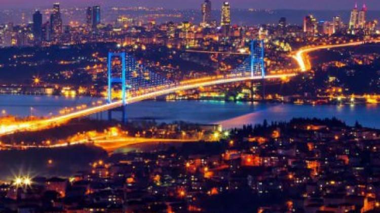 Türkiye'de her 10 kişiden 7'si her hafta radyo dinliyor.