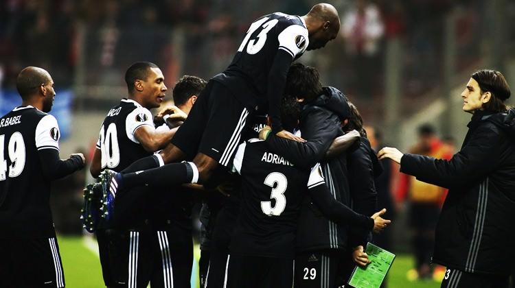 Beşiktaş Yunanistan'da avantajı kaptı!