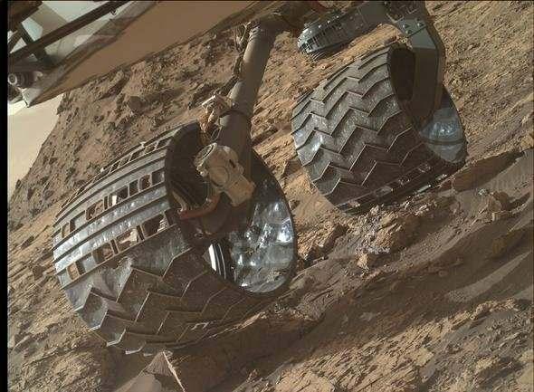 NASA'nın Göz Bebeği Yavaş Yavaş Parçalanıyor