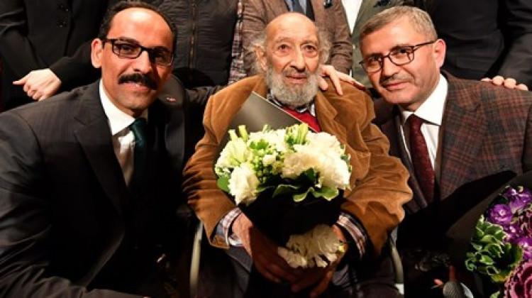 Duayen sanatçı Ara Güler'e saygı gecesi