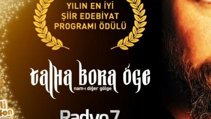 Yılın En İyi Şiir – Edebiyat Programı Ödülü Talha Bora Öge'ye