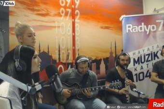 AYSEL YAKUPOĞLU & CEYLAN KOYNAT   Bizim Ele Bahar Gelmiş (Radyo7 Akustik)