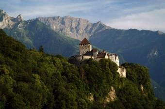 1868 yılında ülkeye masrafı çok olduğu gerekçesi ile dağıtıldı. O günden bu yana İsviçre tarafından güvence altında.