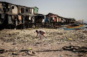 BANGLADEŞ GSYİH: Bin 211 dolar Milli Gelir: 172,8 milyar dolar Nüfus: 161 milyon Yönetim şekli: Parlamenter Demokras