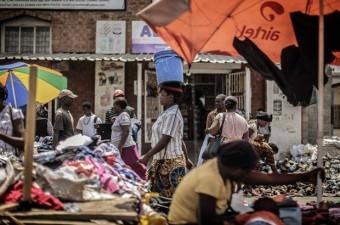 ZAMBİYA GSYİH: Bin 360 dolar  Milli Gelir: 22 milyar dolar Nüfus: 16,2 milyon Yönetim şekli: Cumhuriyet