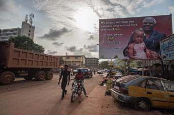 SİERRA LEONE GSYİH: 693 Milli Gelir: 4,47 milyar dolar Nüfus: 6,45 milyon Yönetim şekli: Anayasal Demokrasi