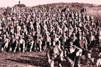 Ulu Önder Mustafa Kemal Atatürk Çanakkale Savaşı'nda göğsüne saplanan şarapnel parçası ile yaralanmıştır.