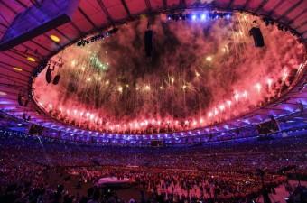 2016 Rio Olimpiyat Oyunları, ev sahibi Brezilya'nın kültür ve tarihi ile doğa temalı gösterilere sahne olan açılış töreniyle başladı. Brezilya'nın Rio de Janeiro kentindeki Maracana Stadı'nda gerçekleştirilen törenle, 31. Yaz Olimpiyat Oyunları'nın resmi başlangıcı yapıldı.