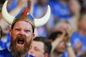 Avrupa Futbol Şampiyonası (Euro 2016) son 16 maçlarında İngiltere, İzlanda ile Nice'deki Stadium Nice'de karşılaştı. İzlanda taraftarı karşılaşma öncesinde takımlarını destekledi.