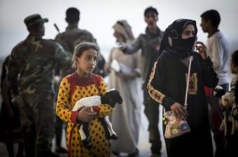 Irak'ın Musul kentini DEAŞ'tan kurtarma operasyonunda, Musul yakınlarındaki köylerden kaçan vatandaşlar, Irak Ordusunun kontrolü altındaki Kayyare kasabasına ulaştı.