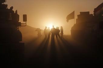 Irak'ta terör örgütü DEAŞ'ın elinde tuttuğu Musul kentini kurtarma operasyonunda, Irak Kürt Bölgesel Yönetimi'ne (IKBY) bağlı Peşmerge güçleri, Başika ilçesinde yer alan Tizxirab, İmam Rıza köylerini kurtarmak için çok sayıda ağır silah ve zırhlı araçlarla harekata başladı.