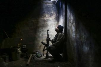 Suriye'nin başkenti Şam'ın Doğu Guta bölgesindeki Arbin beldesine sızmaya çalışan Esed güçleri ile Muhalif Feylek er Rahman'a bağlı birlikler arasında çatışma çıktı. Muhalifler, çatışmalar sırasında çevre kontrolü yaptı.