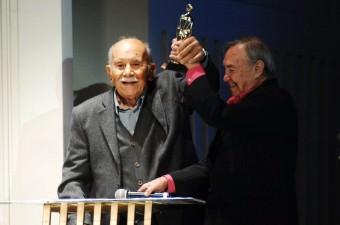 Vedat Türkali- 29 Ağustos 2016'da, Türk edebiyatının önemli isimlerinden şair ve romancı Vedat Türkali (solda), tedavi gördüğü hastanede vefat etti.