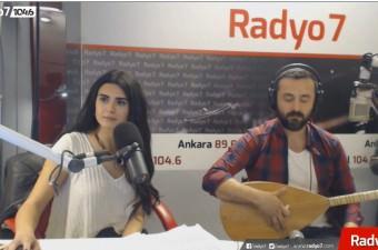 Canan Çal - Yare Söyleme & Yüce Dağ Başında Kar Boran Boran Potpori (Radyo7 Akustik)