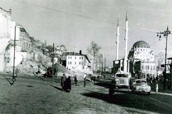 78. Tophane Arabacılar Kışlası yıkılıyor (1957)