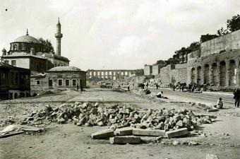 17. Unkapanı Atatürk Bulvarı.