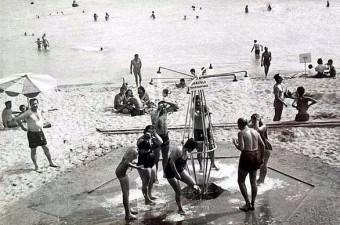 52. Şimdiki yerinde marina, otel ve AVM bulunan Ataköy Plajı.