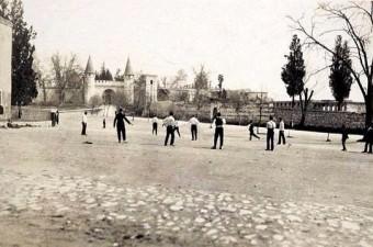 31. Topkapı Sarayı 1. Avlu / 1920'ler.