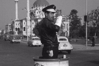 97. Tophane'de bir trafik polisi (1960'lı yıllar)