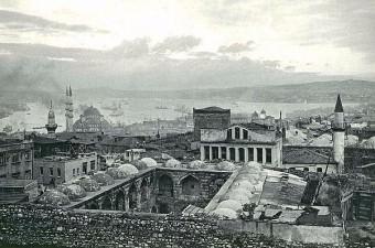 35. Valide Han ve Eirene Kulesi Manzarası. 1954