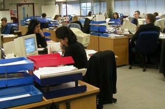 Belediyelerde personel alımında da merkezi sınav yapılması, personelin buradan seçilmesi öngörülüyor.