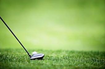 Eskiden golf topları katı ahşaptan yapılırdı.