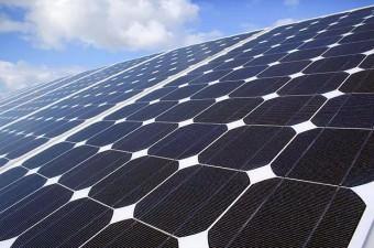 Pasifik Okyanusu'nda uzak bir ada grubu olan Tokelau, elektriğinin %100 ünü Güneş enerjisinden alır.