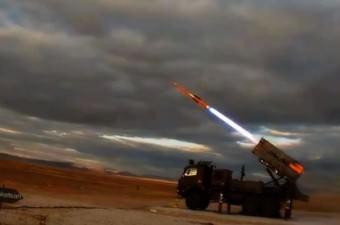"""Hisar Füzelerinin fırlatıldığı sırada çekilen görüntülerinde, """"Hisar Füzeleri; askeri üs, liman, tesis ve birliklerin hava tehditlerinden korunması amacı ile sabit ve döner kanatlı uçaklara, seyir füzelerine, havadan karaya atılan füzelere ve insansız hava araçlarına karşı HİSAR-A 10 +km, HİSAR-O 16 +km menzil aralıklarında kullanılan hava savunma füzeleridir."""