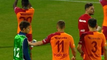 Ne yaptın Podolski! Yakışmadı...