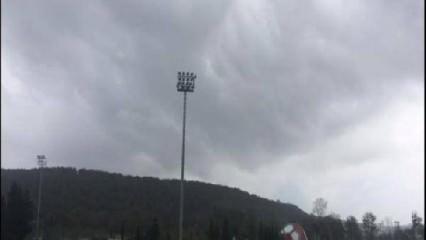 Beklenen yağış başladı! İstanbul'da hortum görüldü