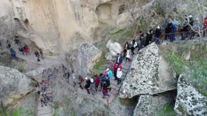 Ihlara Vadisi'nde 'Bağımlı Olma Özgür Ol' yürüyüşü