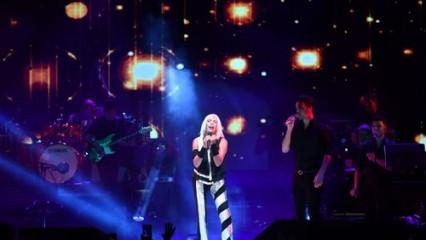 Ajda Pekkan'dan muhteşem performans!