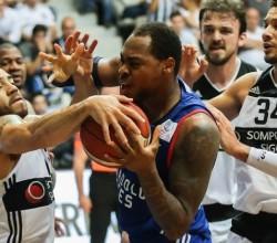 Beşiktaş Anadolu Efes'i dağıttı